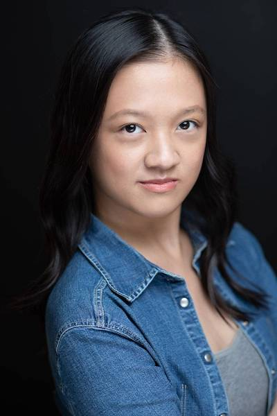 Gloria Huang Headshot 400x600